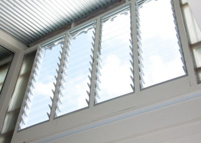 Powerlouvres from Breezway were used up high to draw hot air out of the office