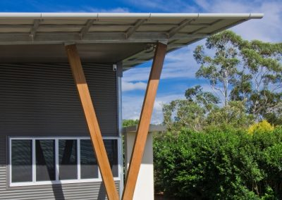 This five bay Altair Louvre Window with outside screens is shaded by a large roof overhang