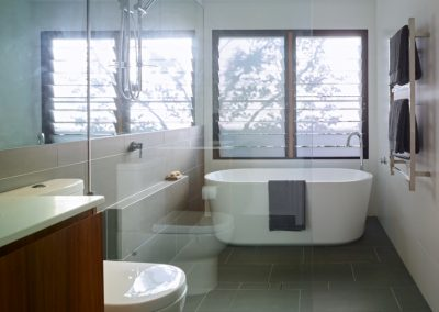 Modern bathroom with Breezway Louvre Windows in shower alcove