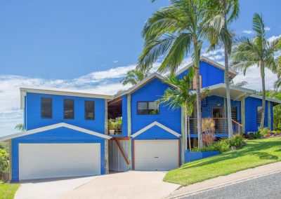 Tempus Tropical with extensive use of louvre windows from Breezway