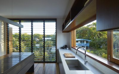 Cleaning Louvre Windows is Made Easy with Breezway