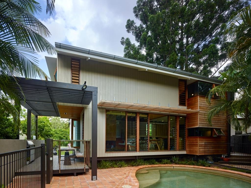 Ashgrove renovation conservative home using breezway louvres for Exterior house renovation
