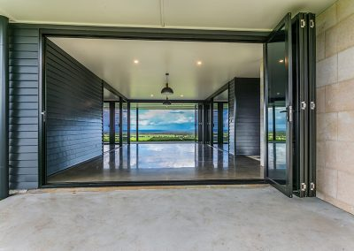 See through the house with breezway louvres