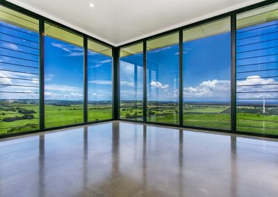 Wide open views with fixed glass and breezway louvres