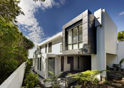 Breezway-louvres-on-exterior-facade-of-wategos-house