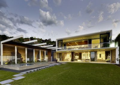 Exterior-of-wategos-house-using-Breezway-louvres