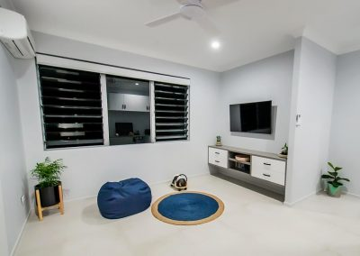 Breezway Louvres with fixed lites for ventilation in the tv room