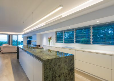 Breezway Louvres in the kitchen allow outdoor views to be enjoyed whilst cooking or entertaining