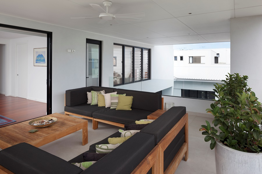 Open plan living areas can be opened up with Breezway louvres