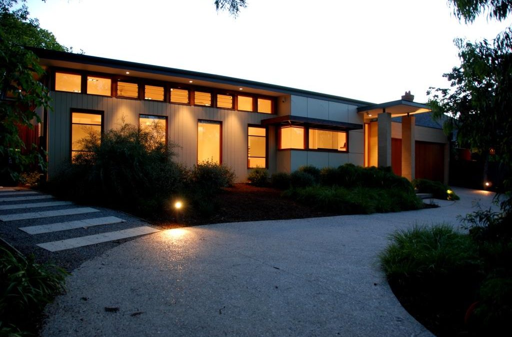 Front entrance with high level breezway louvre windows