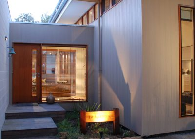 Outdoor view of point lonsdale using breezway louvres up high