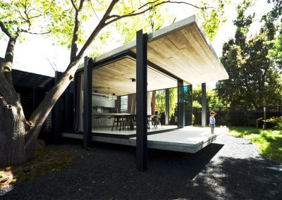 The_Elm_and_Willow_house_with_Breezway_louvres