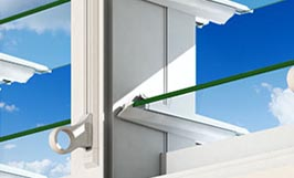 <strong>Innoscreen</strong><p>Operate louvres when an inside screen is installed.</p>