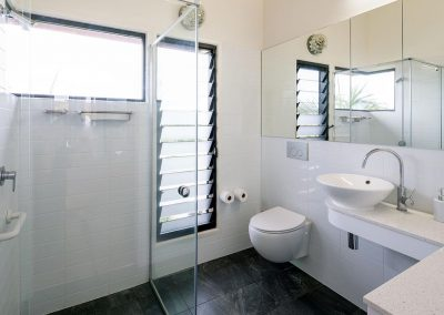 Ventilated_bathroom_using_breezway_louvres