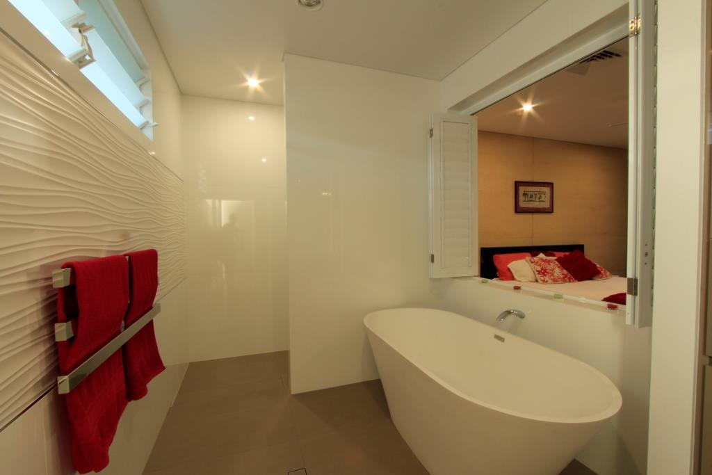 Ryan Cole has Breezway Louvres in the ensuite to the master bedroom