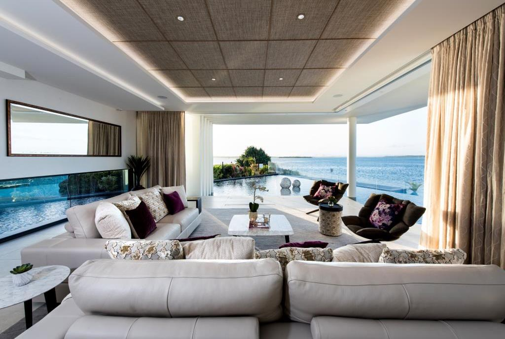 Living room of the lagoon house with beautiful views