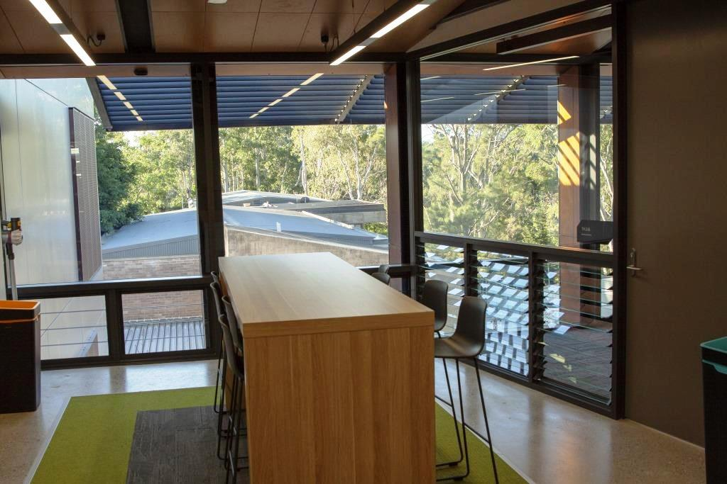 Connect to the outdoor surroundings from inside classrooms
