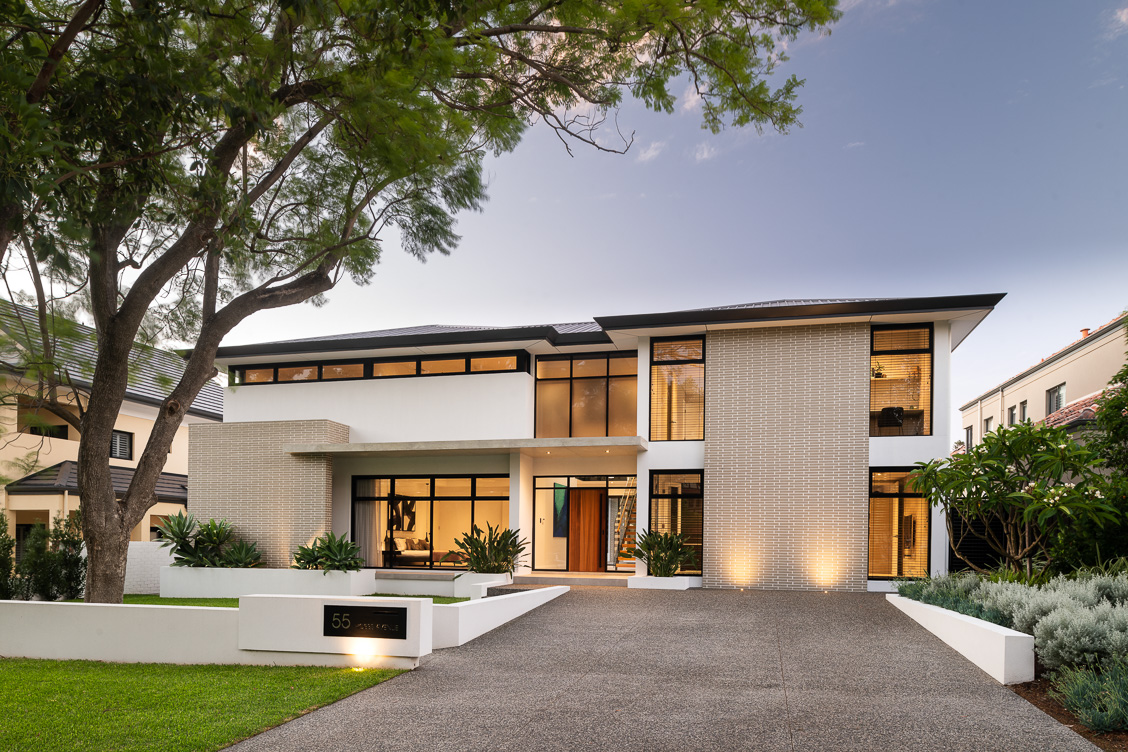 Dalkeith residence using Breezway Louvre Windows