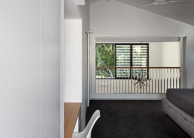 Breezway Louvres next to fixed panes of glass can brighten and ventilate any living area
